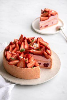 Wedding Desserts, Mini Desserts, Delicious Desserts, Yummy Food, Baking Recipes, Cake Recipes, Dessert Recipes, Charlotte Cake, Gourmet Cakes