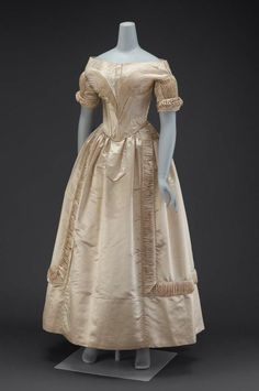 1840 Wedding Dress, Museum of Fine Arts, Boston -  Love the fabric manipulation techniques here.  Just fab.