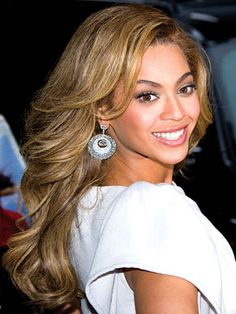 Beyonce, Best Hair Color in Hollywood Cara Delevingne, Hairstyles Over 50, Pretty Hairstyles, Straight Hairstyles, Beyonce Hair Color, Back Hair Shaver, Pretty Hair Color, Golden Hair, Golden Brown