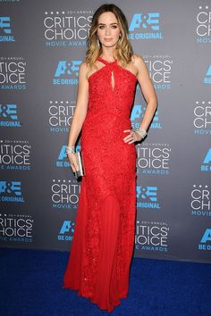 Emily Blunt wore an Emilio Pucci dress with a Jimmy Choo clutch and Lorraine Schwartz jewels to the Critics Choice Awards on the 15th of January. #CriticsChoice #RedCarpetSeason #AwardsSeason
