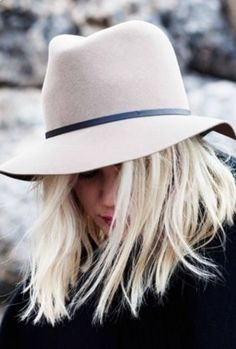 6f2b639dea500 On my blonde head Hat Hairstyles