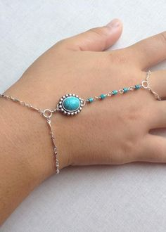 Free Tutorial for a Hand Chain Bracelet - easy to make and very cool (or so says my 15 year old!) #jewelrymaking #jewelryinspo #cbloggers