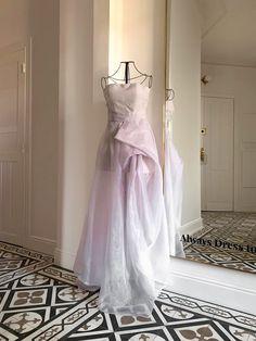 Wypożycz! Wedding Dresses, Fashion, Cloakroom Basin, Bride Dresses, Moda, Bridal Gowns, Wedding Dressses, La Mode, Weding Dresses