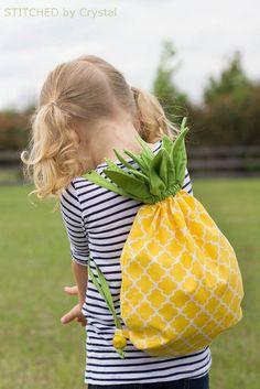 Drawstring Backpack DIY Pineapple Drawstring Backpack by makeitloveit: Free pattern.Pineapple Drawstring Backpack DIY Pineapple Drawstring Backpack by makeitloveit: Free pattern. Backpack Tutorial, Diy Backpack, Drawstring Backpack, Backpack Pattern, Backpack 2017, Purse Tutorial, Love Sewing, Sewing For Kids, Diy For Kids