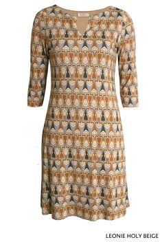 Leonie Holy Beige von KD Klaus Dilkrath #leoniedress #dress #holy #kd12 #kdklausdilkrath #beige #outfit #march #leonie #kdklausdilkrath #kd #dilkrath #kd12 #outfit