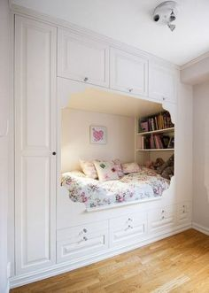 such a fun use of space and so comfortable! It's such a fun use of space and so comfortable!,It's such a fun use of space and so comfortable!, Secrets To Cool Bedrooms for Teen Girls Dream Rooms Bedroom Nook, Room Design Bedroom, Room Ideas Bedroom, Home Room Design, Small Room Bedroom, Tiny Girls Bedroom, Bedroom Ideas For Small Rooms For Teens For Girls, Built In Beds For Kids, Kids Bedroom Furniture Design