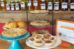 Fresh Pie at The Pantry at Landman Gardens and Bakery Scottish Fashion, Black House, Cooking Tips, Pantry, Pie, Gardens, Fresh, Recipes, Food