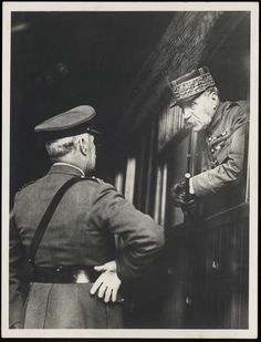 Marshal Foch and General Sir Wiliam Roberton bidding adieu at Cologne Station [picture]. [ca. 1918].