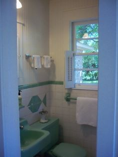 1000 images about 1960s bathroom on pinterest 1960s for 1960s bathroom design