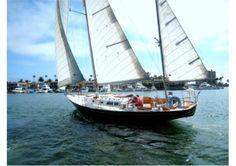 Hinckley 40 Sailboat | 1970 40 (ft.) HINCKLEY Bermuda 40 Showcase