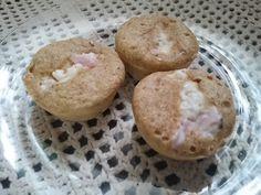 MUFFIN DUKAN 1 ovo 3 Colher (es) de sopa de farelo de aveia 4 Colher (es) de sopa de leite desnatado 1 Colher (es) de café de fermento rápido 1 Pitada (s) de sal 1 Xícara (s) de café de ricota ligth esfarelafa 1 Pitada (s) de sal 1 Pitada (s) de orégano 1 Xícara (s) de chá de presunto magro picadonho 1 Colher (es) de