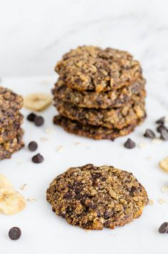 Chocolate Chip Banana Oat Cookies (Gluten Free) - no added sugar, sweetened only with banana!