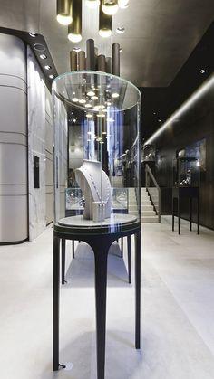 Island Display Showcase of Bucherer-store-by-Blocher-Blocher-St-Moritz