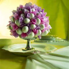 ostern tischdeko ideen kugel eier seidenpapier lila highlight