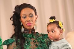 Wife Inkhosikati LaNgangaza with daughter Black King And Queen, King Queen, African Beauty, African Women, Royal Monarchy, All About Africa, Black Royalty, African Royalty, New Wife