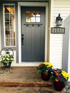 70 Best Modern Farmhouse Front Door Entrance Design Ideas 36 – Home Design Front Door Entrance, Front Door Colors, Glass Front Door, Front Door Decor, Entry Doors, Colored Front Doors, Front Entry, Dark Grey Front Door, Front Door Hardware