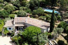 Location vacances maison Saumane-de-Vaucluse: Vue aérienne de la maison