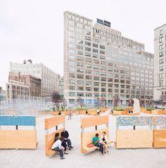 19. Muro móvel que pode ser aberto em diferentes ângulos funcionando como banco ou painel de exposição. Desenhado pelo escritório Interboro Partners, para o Projeto LentSpace em Nova York.
