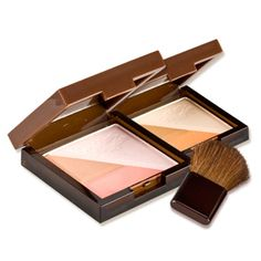 Etude House Golden Ratio Contour Maker : This multi shade pressed powder supplies highlighting, shading and blusher tones.