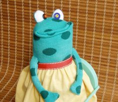sock animal frog Cleo by MittersCritters on Etsy