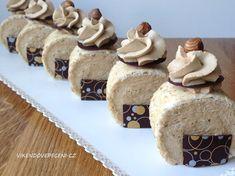 Ořechová bezé roláda s kávovým krémem - Víkendové pečení Brownie Cupcakes, Salty Cake, Strudel, Sweet Cakes, Pavlova, Sweet And Salty, Macaroons, Nutella, Baked Goods