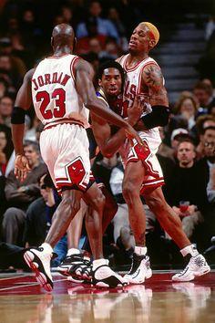 Michael Jordan Basketball, Love And Basketball, Sports Basketball, Basketball Players, Basketball Legends, Kobe Bryant Michael Jordan, Nba Pictures, Basketball Pictures, Los Angeles Lakers