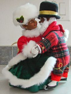 avon african american santa mrs claus skating animated rare