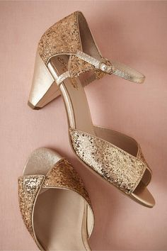 Complete your wedding day look with a pair of classic bridal shoes. BHLDN offers wedding heels that are as beautiful as they are comfortable, no matter your venue. Shop wedding shoes for the bride now! Glitter Heels, Silver Heels, Gold Glitter, Gold Pumps, Gold Flats, Gold Wedges, Gold Dress Shoes, Navy Dress, Red Shoes