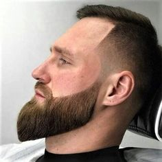 15 Funky And Short Faux Hawk Hairstyle – Beard Look Book Skin Fade With Beard, Beard Fade, Beard Look, Sexy Beard, Long Beard Styles, Hair And Beard Styles, Short Faux Hawk, Beard Cuts, Faux Hawk Hairstyles