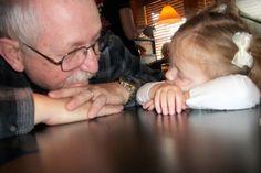 James K. Flanagan aus West Long Branch (USA) schrieb am 8. April 2012seinenfünf Enkeln einen Brief. Ein paar Worte des Rats, und was er im Leben gelernt hat. Nur wenige Monate später, am 3. September, starb er überraschend an einemHerzinfarkt. … Weiterlesen →