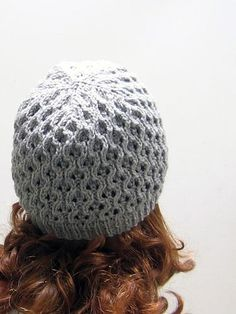 I'm looking for any knitters who would like to test-knit my first hat pattern! (And anybody who might know how to make up a nice-looking PDF for it.) Abby, you in? Please drop me a comment if you're test knitting. Feel free to suggest changes or more readable translations, etc. I can't wait to…