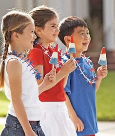Americana girls and boys with popsicles