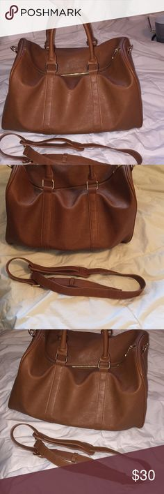 e50fb2bdaeb8 Brown Travel Duffle Bag   Forever 21 Women s  Unisex Used but still in good  condition