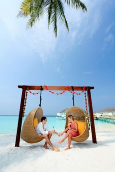 coupole on the beach hammock #voyagewave #themaldives →www.voyagewave.com