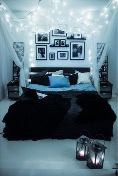 Inviting and comfortable bedroom with lights and curtains Black Bedspread, Black Headboard, Restoration Hardware Bedroom, Bedroom Simple, Romantic Bedroom Design, Warm Bedroom, Bedroom Black, Small Room Bedroom, Bedroom Decor For Teen Girls