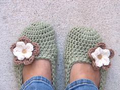 Adult Slippers Crochet Pattern PDF...
