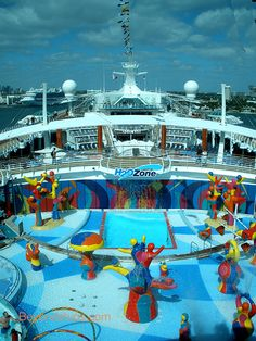 Independence of the Seas - Photo Tour and Commentary - Pools, Spa