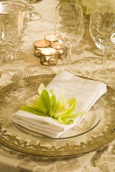 Love this accent for your wedding reception napkins by preston bailey