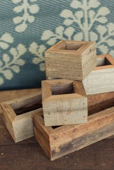 Click the Read It link for more photos. I like the rustic chunky style of these boxes
