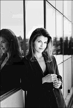 Anne-sophie Mutter - Google 検索 Violin, Musicians, Portraits, Artists, Google, Beauty, Fashion Styles, Artist, Cosmetology