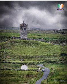 We are proud to present the PHOTO OF THE DAY by: ☘️ @mattfergusonphotography ☘  Congratulations Matt!! ~~~~~~~~~~~~~~~~~~~~~~~~~ Location: 📌 Doonagore Castle, Doolin - Co.Clare ~~~~~~~~~~~~~~~~~~~~~~~~~ Please show your support to our featured artist and visit their awesome gallery for more great shots!! ~~~~~~~~~~~~~~~~~~~~~~~~~ Photo selected by: @digilou48 ~~~~~~~~~~~~~~~~~~~~~~~~~ Thank You all so much for following @loves_ireland and tagging #loves_ireland. Your support is highly…