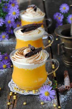 Dyniowa rozgrzewająca czekolada Healthy Smoothies, Healthy Desserts, Delicious Desserts, Macarons, My Coffee Shop, Brunch, I Love Chocolate, Food Tasting, Sweets Cake