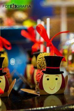 Quem nunca sonhou em entrar em uma fábrica de chocolates? Quem nunca se encantou com os doces coloridos do Sr. Wonka? Quem nunca cantou uma...