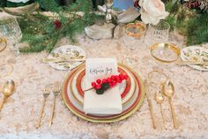 Design: Star Hansen Events China: Dish Wish Events  Floral Design + Table Decor: XO Bloom Stationery: Kelly Patrice  Linen, Napkins + Pillows: LUXE Linen Photography: Jenny Quicksall Photography