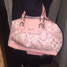 Coach Purse Gently used  Gently used in a smoke free home. Still in great condition. Only one tiny red mark on the bottom of purse. I can post more pics if needed Coach Bags Shoulder Bags