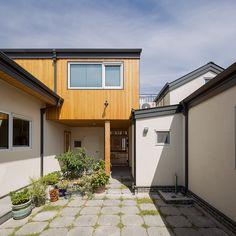3대가 함께 살아가는 집   1boon Tiny House, Building A House, Outdoor Decor, Concept, Home Decor, Decoration Home, Room Decor, Tiny Houses, Build House