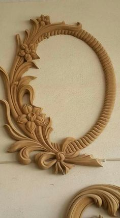 Awesome old intricately carved mirrors frames hung solo - no mirror, class or art? Wood Carving Designs, Wood Carving Art, Wooden Art, Wooden Crafts, Molduras Vintage, Chip Carving, Wood Mirror, Wood Sculpture, Dremel