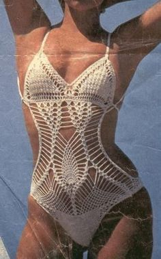 Charts for several Bikinis/Trikinis on this page. http://asreceitasdecroche.blogspot.com/2014/10/maio-ou-body-de-croche.html
