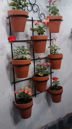 Small Balcony Garden, Small Space Gardening, House Plants Decor, Plant Decor, Flower Stands, Flower Boxes, Garden Crafts, Garden Projects, Hanging Wall Planters