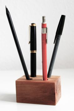 scherleimpapier: DIY Stiftehalter Stiftebox aus Holz office organisation Arbeitsplatz || DIY pencil holder made of wood